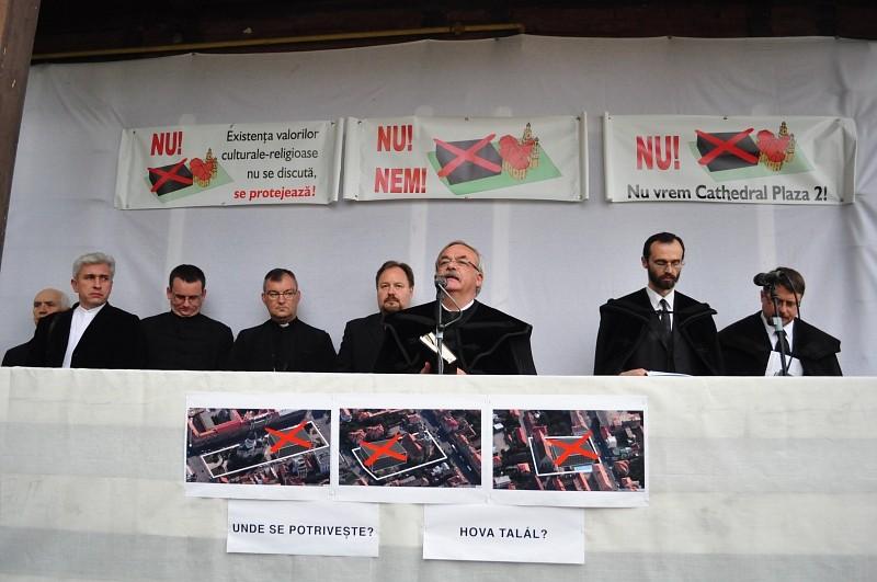 Kató Béla püspök nyilatkozata a Kétágú templom mögötti építkezés kapcsán