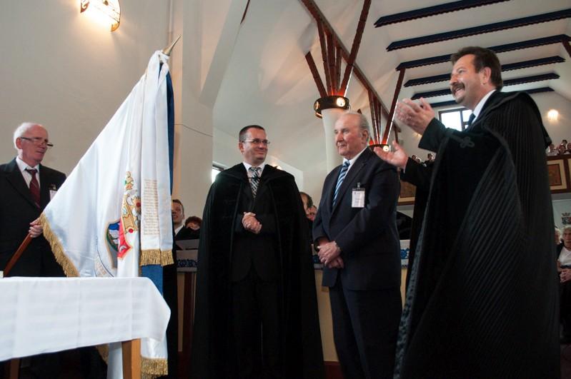 Hat lelkipásztort szenteltek fel az EREK szovátai közgyűlésén
