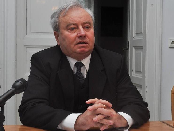 Csűry István: Tartalmilag kell a két egyházkerület kapcsolatát feltölteni