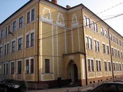 Hamarosan ténylegesen is a református egyházé lesz az Apáczai épülete