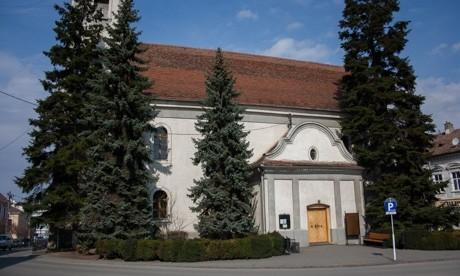 Foltozni kell a székelyudvarhelyi főtéri református templomot