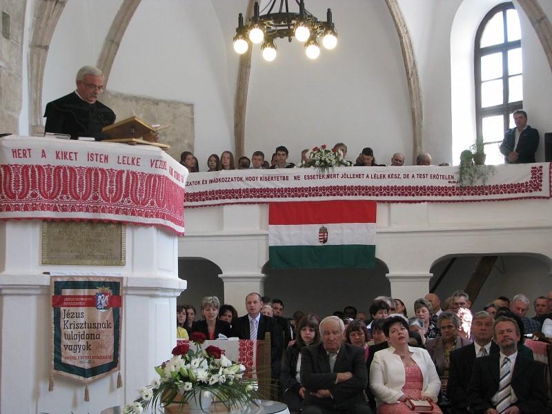 Adósok vagyunk - Felújították a rettegi templomot