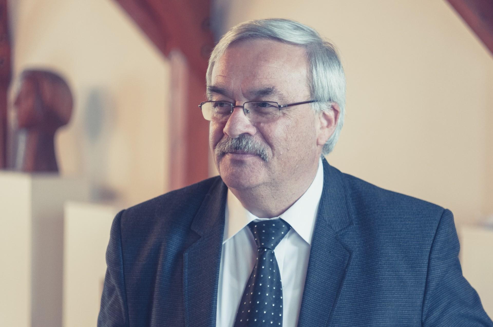 Kató Béla: Szakmát adunk a fiatalok kezébe