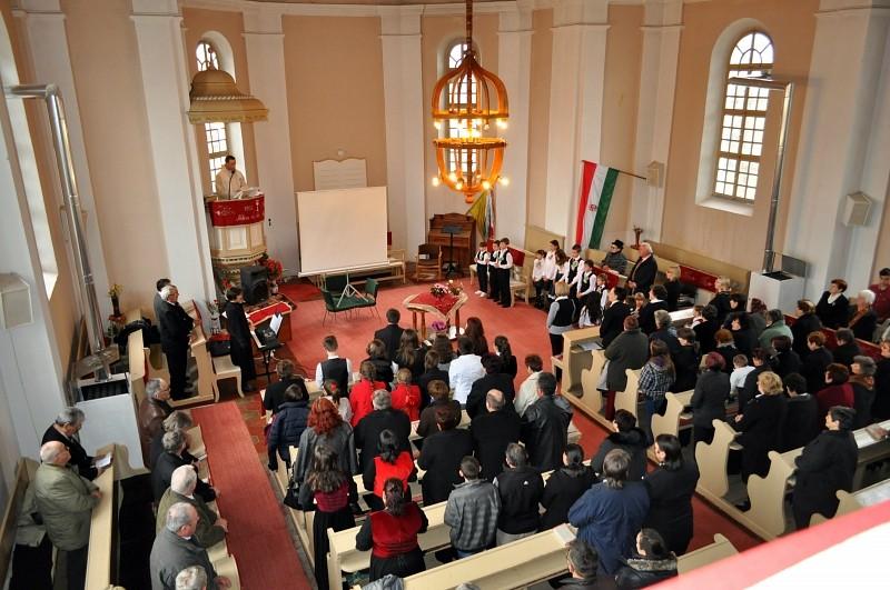 Kokárdát tűzött Marosújvár a nemzeti ünnepen