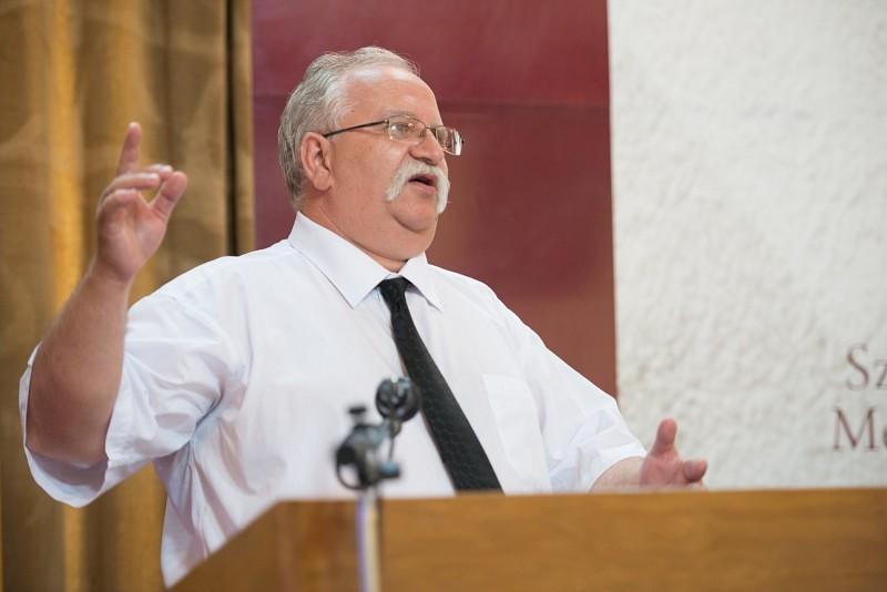 Krisztus arra kér, hogy változtassuk meg a látásunkat – Székelyudvarhelyen ülésezett az Erdélyi Református Egyházkerület közgyűlése
