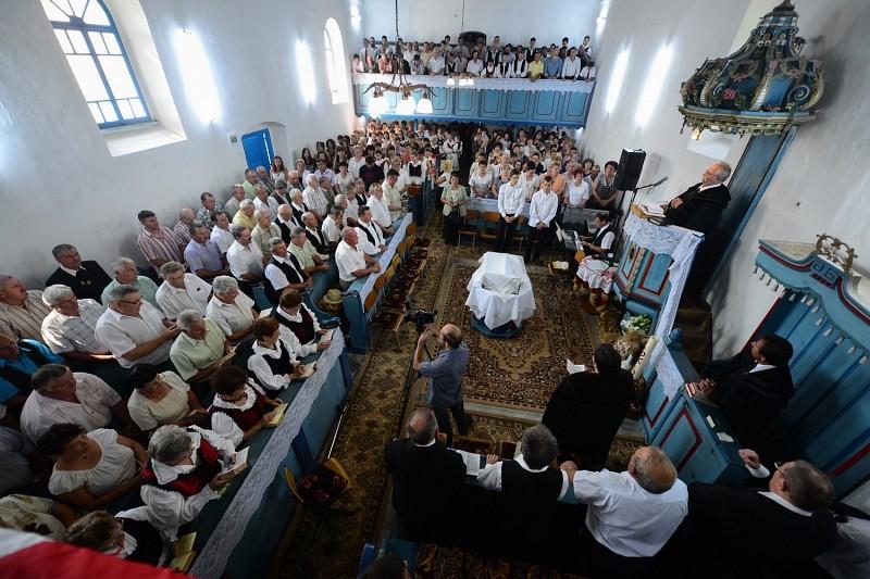 Nem siratófalakra, hanem élő gyülekezetekre van szükségünk