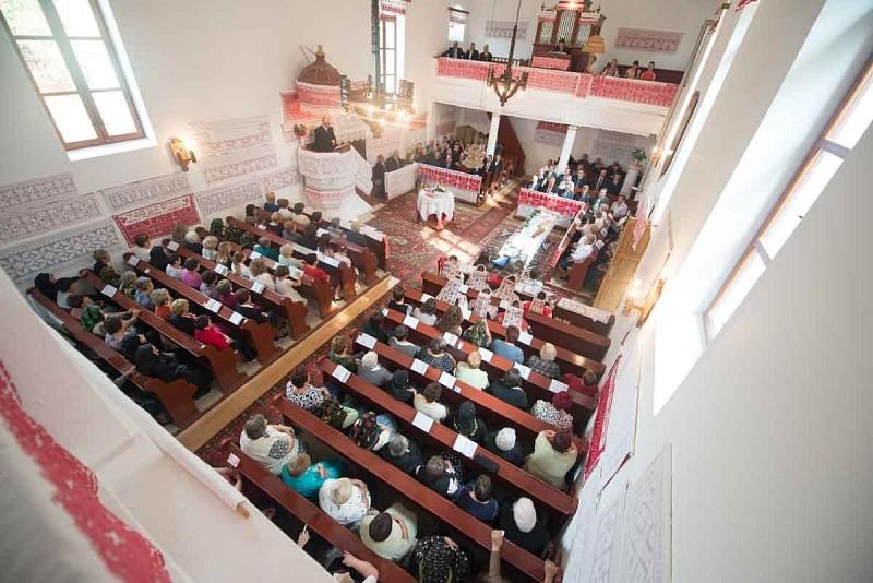 A templom csendjében Isten üzenete hangzik