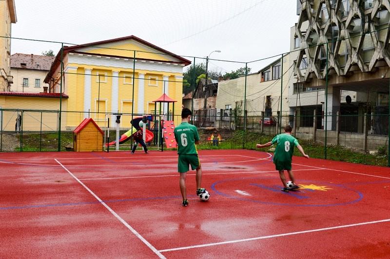 Szolgáló életeket épít a Kolozsvári Református Kollégium