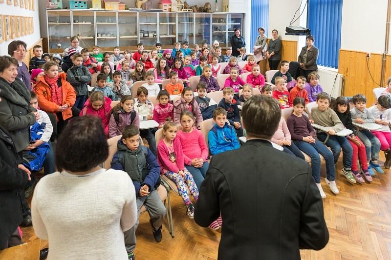 A gyülekezetekben nem szervizmunkát akarunk végezni - Generális Vizitáció Bánffyhunyadon
