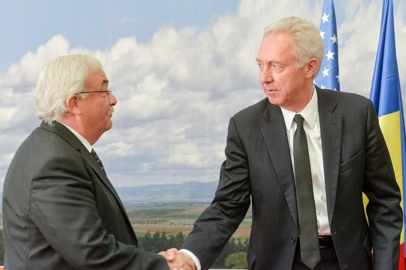 Az egyházak restitúciós helyzetéről tájékoztatta Hans Klemm amerikai nagykövetet Kató Béla