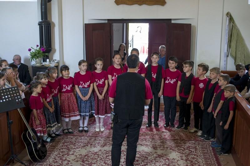 Hodgyában találkoztak először a Székelyudvarhelyi Református Egyházmegye gyermekkórusai