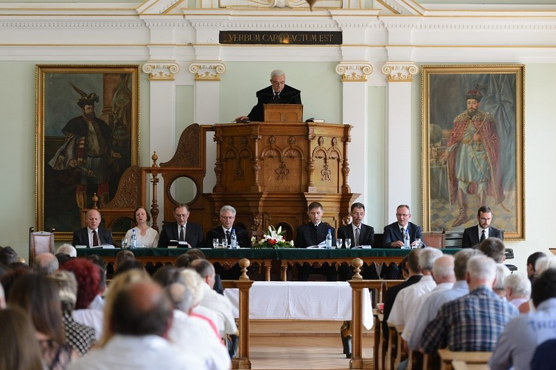 Elballagtak a Kolozsvári Protestáns Teológiai Intézet végzős hallgatói