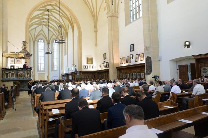 Tizenhárom fiatal lelkipásztor tett fogadalmat a reformátusok és lutheránusok közös lelkészszentelő ünnepségen