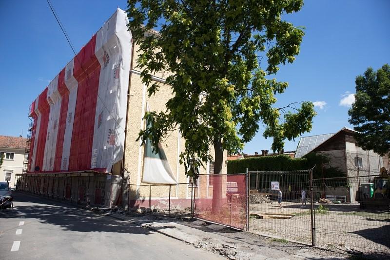 Újabb iskolát vett a szárnyai alá az Erdélyi Református Egyházkerület – teljesen megújul és új épületrésszel bővül az Apáczai Kolozsváron