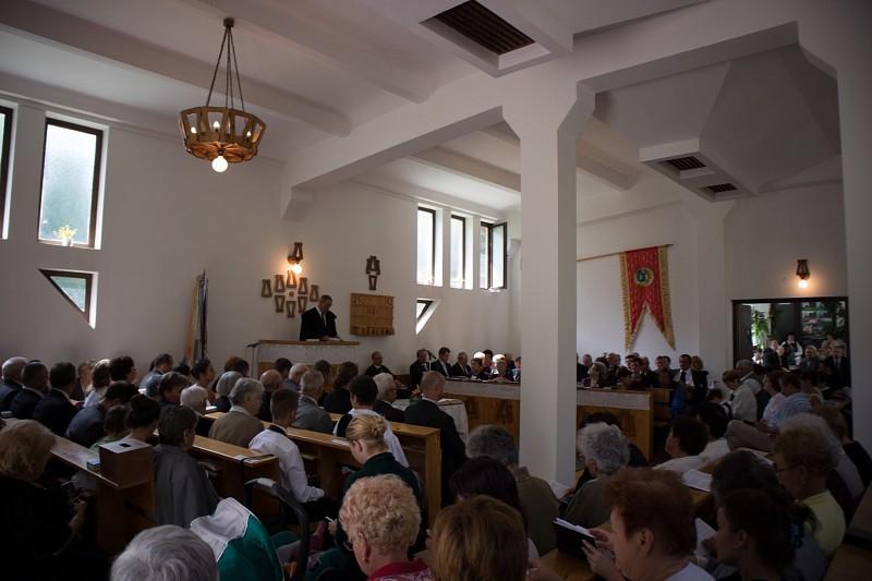 Új harangláb-kapu hívogatja az udvarhelyieket Isten házába