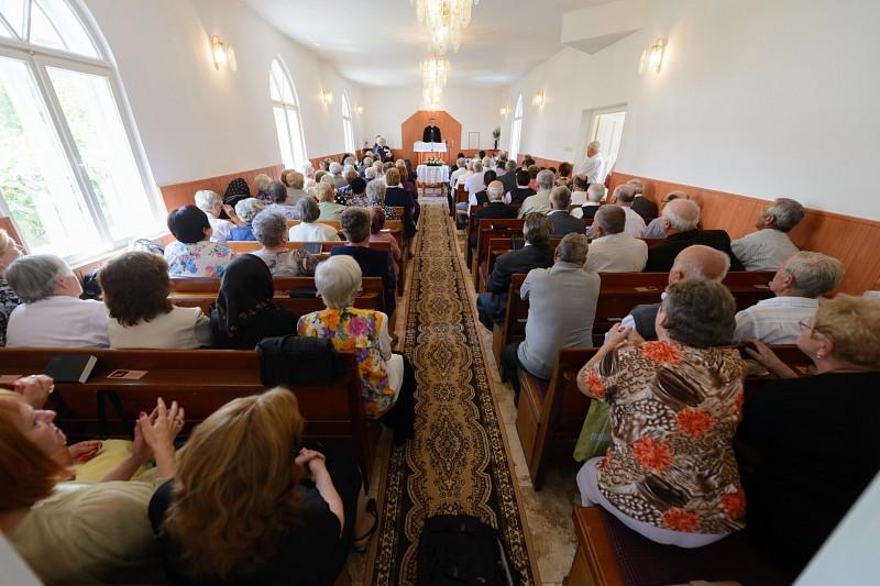 Új harang hívogatja a kölesföldieket templomba