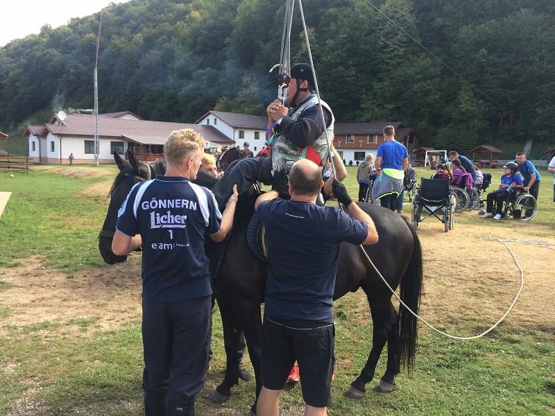 A lovaglásban nincs különbség ép és mozgáskorlátozott között – ötödik keresztyén lovastábor mozgássérülteknek