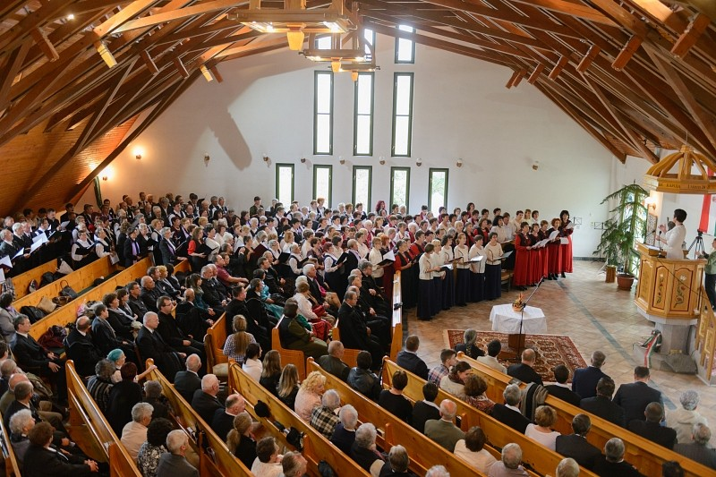 Egyházmegyei központot avattak a reformáció 500-ik évfordulóján Baróton