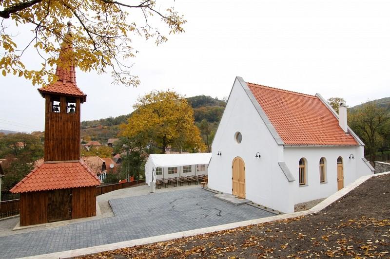 Új templom épült Sándortelkén