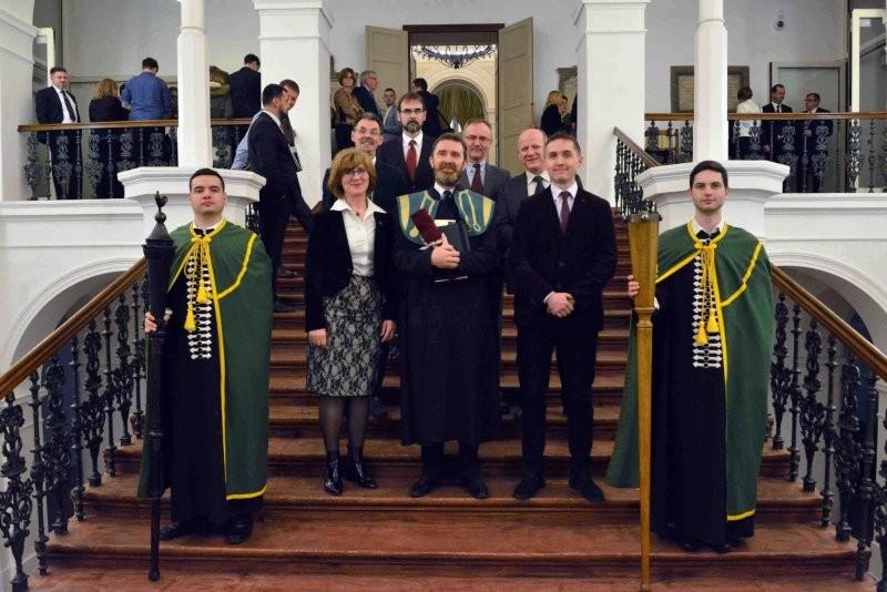 A Debreceni Református Hittudományi Egyetem díszdoktorává avatták Buzogány Dezsőt