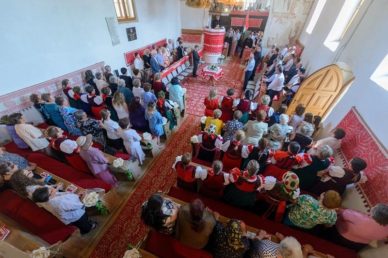 Gyülekezeti otthont avattak Magyarlónán