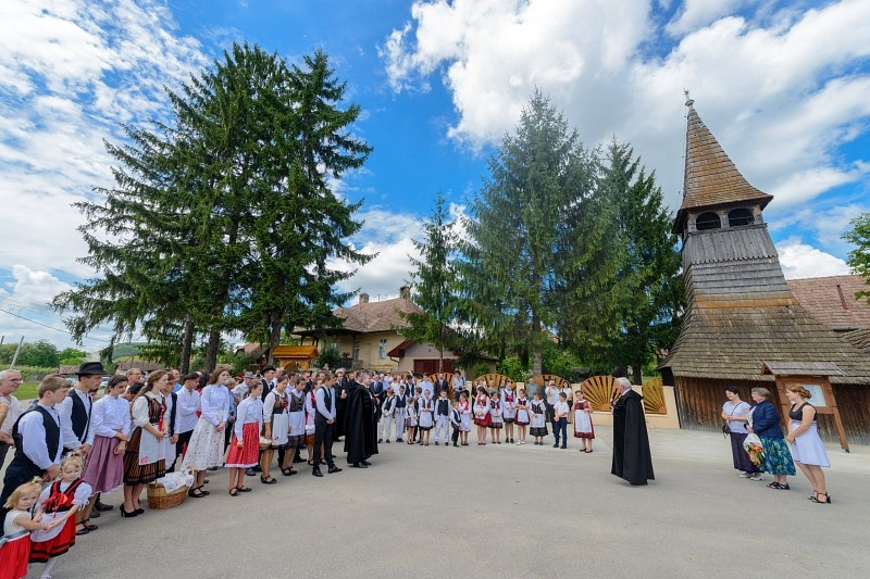 200 éves a mezőkölpényi református templom