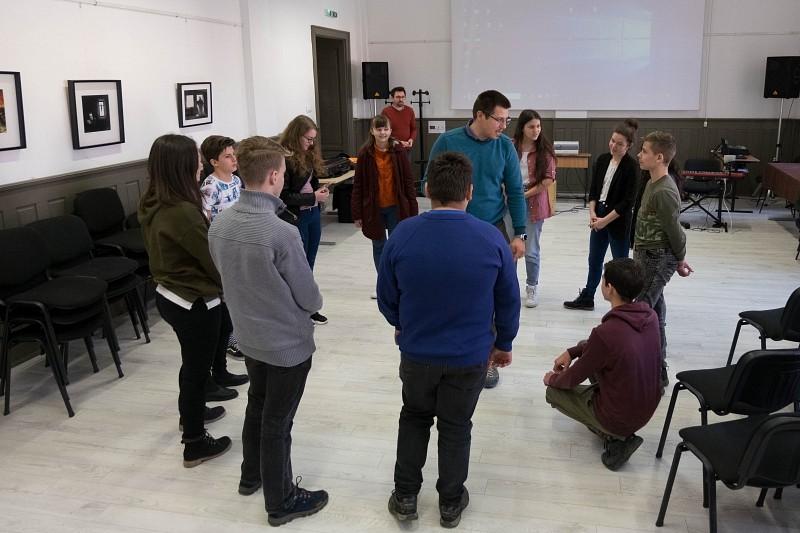A szerelem országútján – közös ifjúsági napon találkoztak a nagyenyedi és tordai fiatalok