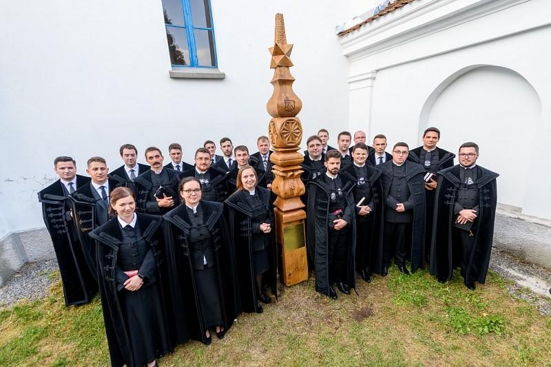 Készen a szolgálatra: 23 fiatal lelkipásztor tett fogadalmat