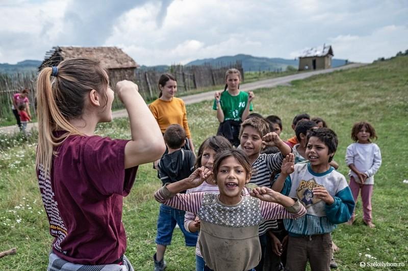 Evangelizációs hét a nagygalambfalvi roma gyerekeknek