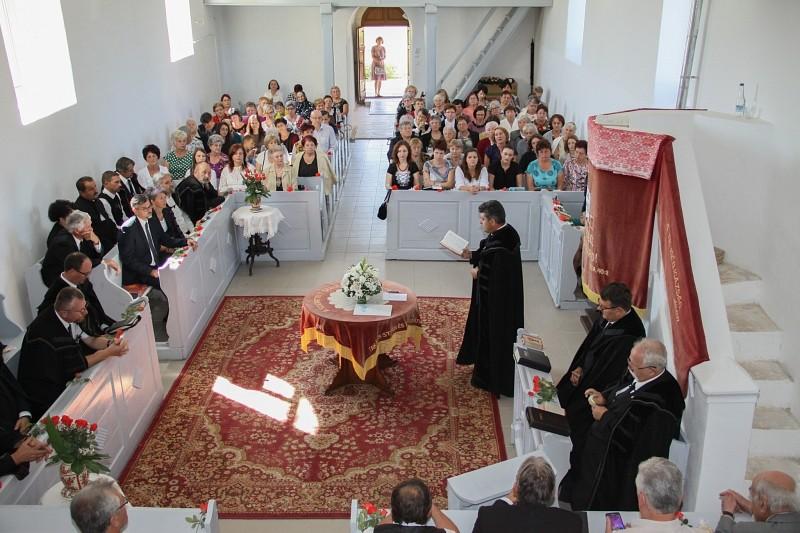 Négyszáz éves korára újult meg a marosdécsei templom