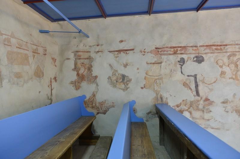 Átadták a gidófalvi református templom restaurált falképeit