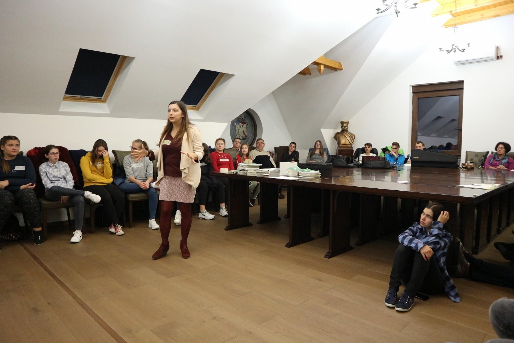 Kárpát-medencei ifjúsági imaéjjel a Küküllői Egyházmegyében