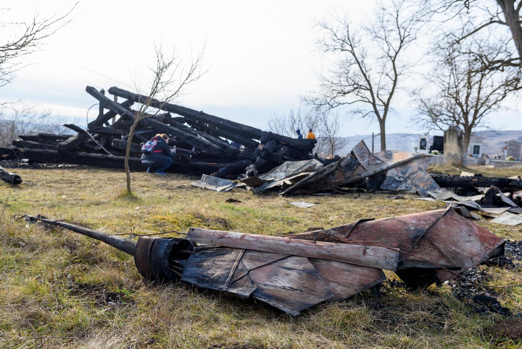 Leégett Héderfája református templomának haranglábja